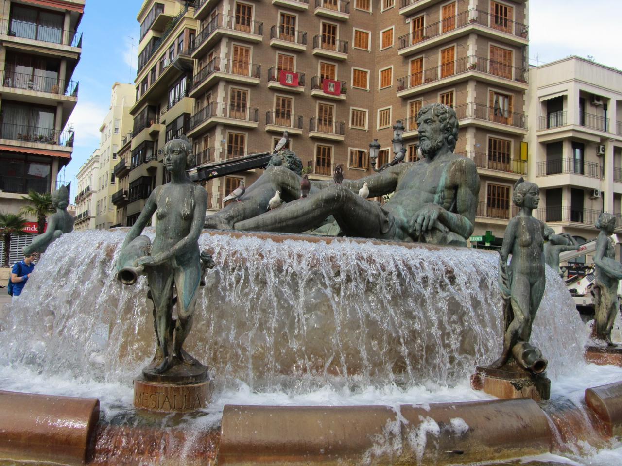 Turia-Brunnen auf dem Plaza de la Virgin
