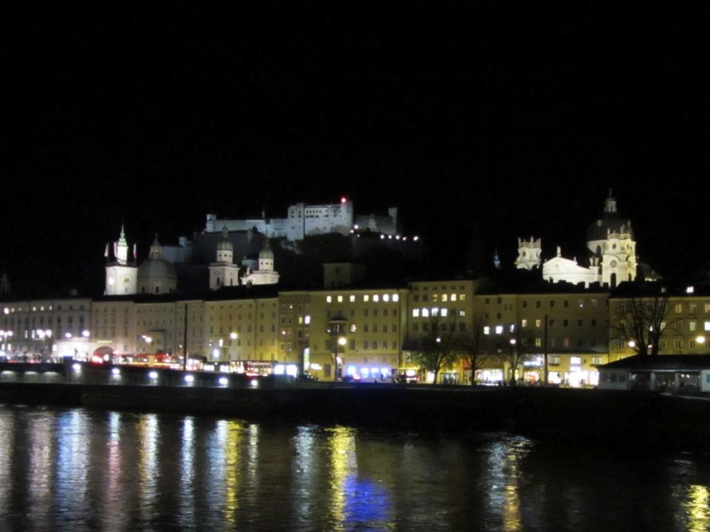 Salzburg vom Makartsteg gesehen